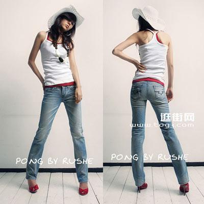 比较瘦的女生可以选择紧身的微喇牛仔裤