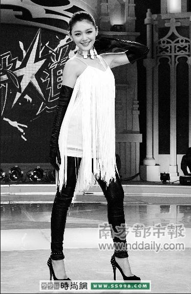 黑白欧美珠宝模特